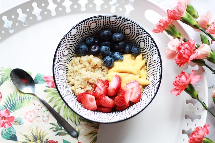 wegańskie śniadanie quinoa